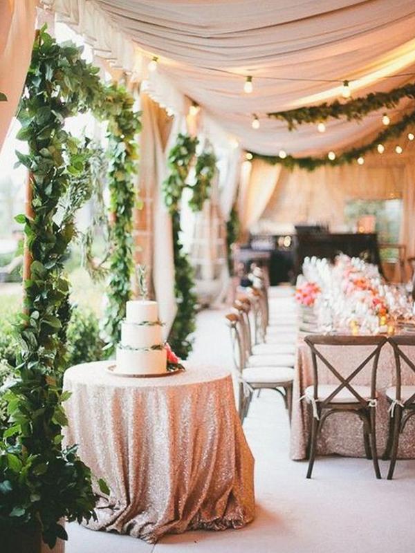 maison-de-rossi-blushing-bride-wedding-blog-formal-theme-wedding-marquee-reception.png