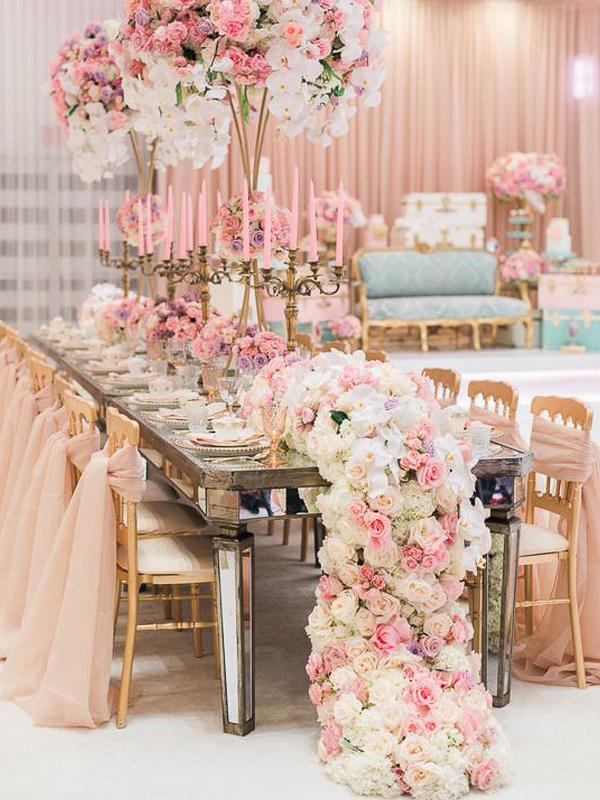 maison-de-rossi-blushing-bride-wedding-blog-formal-wedding-wedding-reception-dinner-setting.png