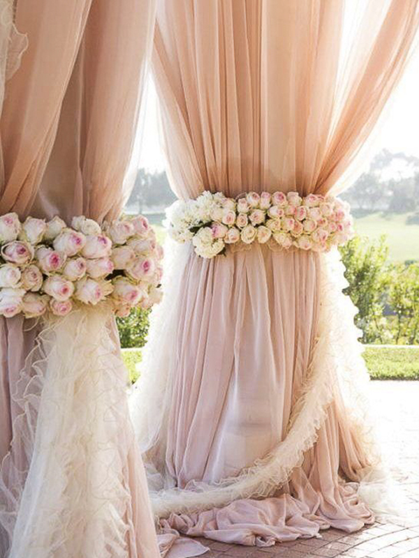 maison-de-rossi-blushing-bride-wedding-blog-formal-wedding-outside-ceremony-decor.png