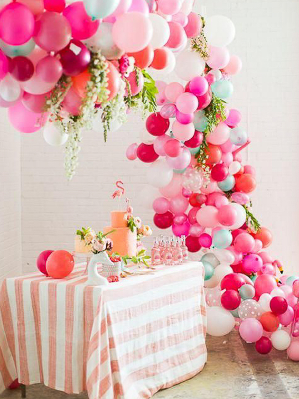 maison-de-rossi-blushing-bride-blog-colour-story-blush-garden-wedding-balloon-decoration-dessert-table.png