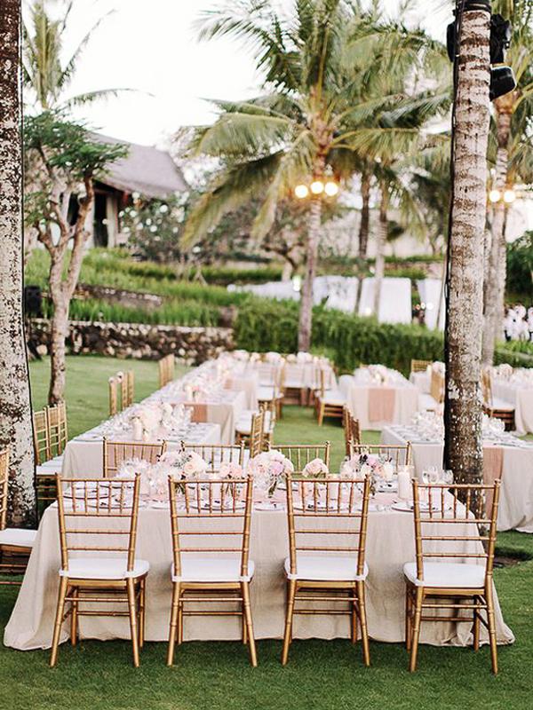 maison-de-rossi-blushing-bride-blog-colour-story-blush-garden-wedding-tropical-reception-venue.png