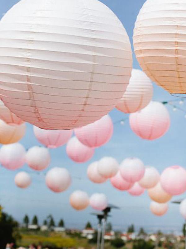 maison-de-rossi-blushing-bride-blog-colour-story-blush-garden-wedding-latern-bunting-decoration.png