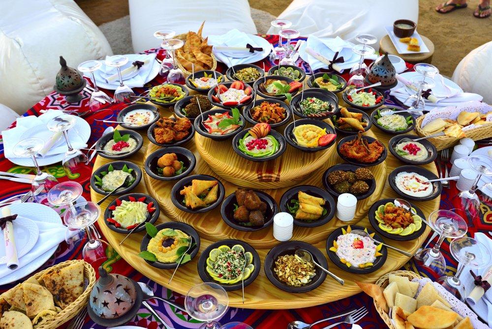 Beduinen Dinner mit orientalischen Speisen am Strand!