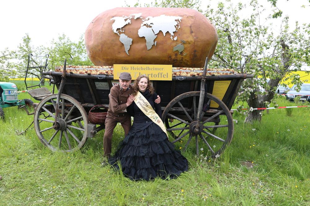 Kartoffelboss Wolfgang und Kartoffelprinzessin Manuela.JPG