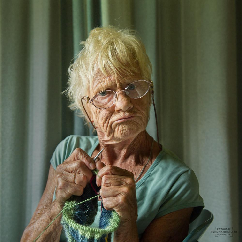 fotograf oslo portrett levd liv bestemor fotorune portrettfotograf i Oslo
