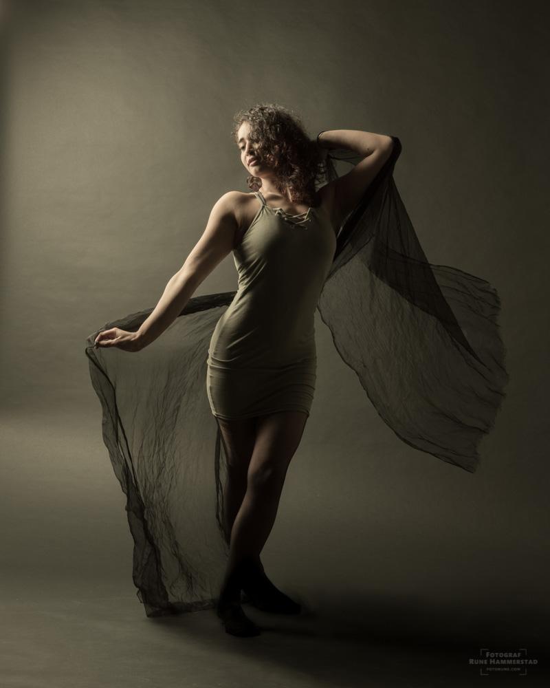 fotograf-oslo-portrett-modell-fotostudio-portrettfotograf-studio.jpg