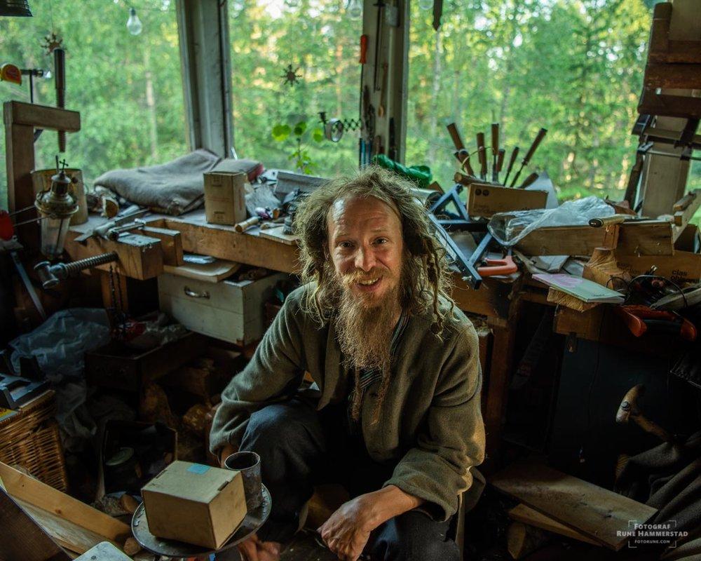 """""""Jeg ønsker å være en drue i filosofiens mage og et lysglimt i en rute som knuses langt borte."""""""