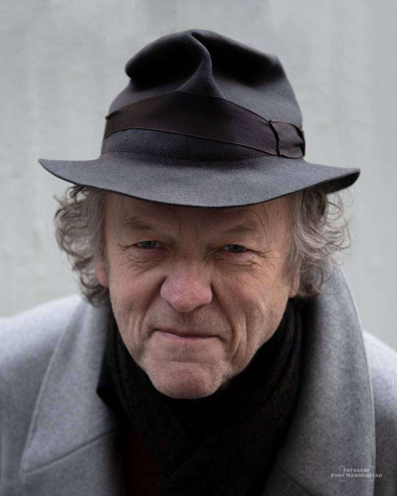 """Hva har livet lært deg? """"Livet har lært meg hvor fantastisk det er å være menneske å få en tid på denne jorda"""" Bluespoet Jan-Christian Nordahl"""