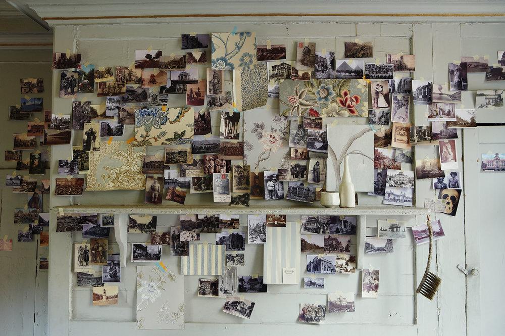 PostcardsOnWall_044.jpg