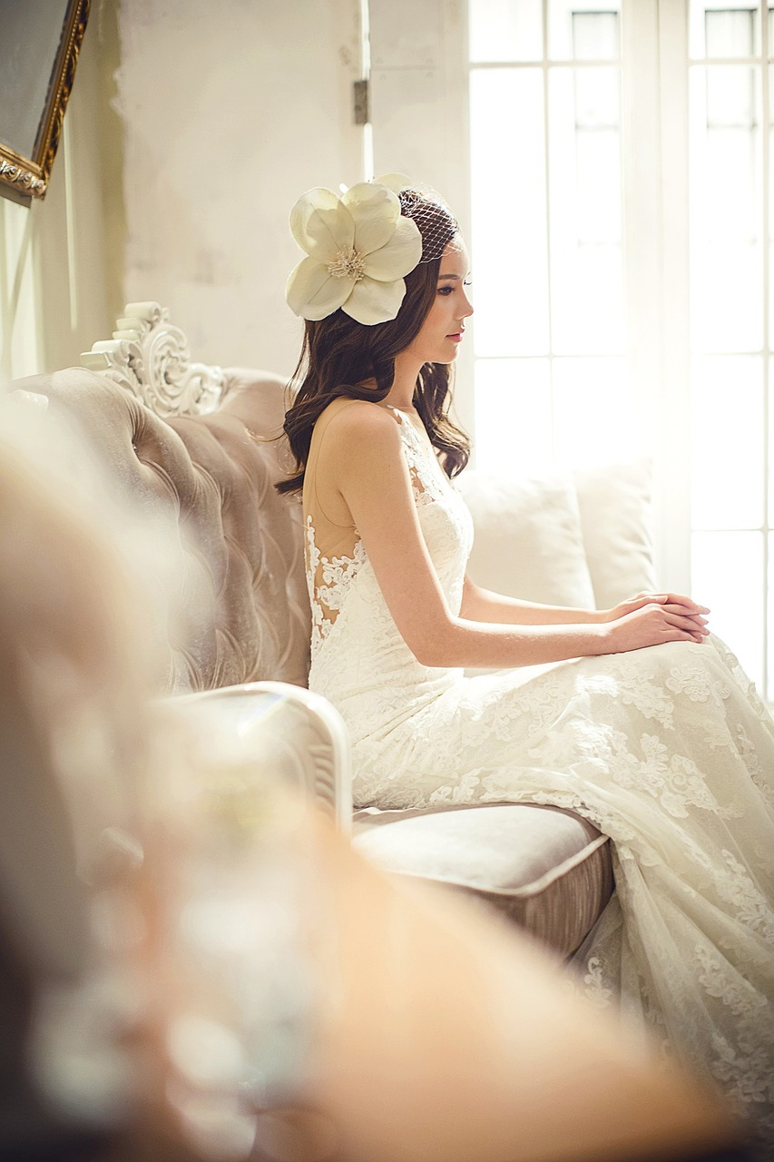 wedding-dresses-1486237_1280.jpg