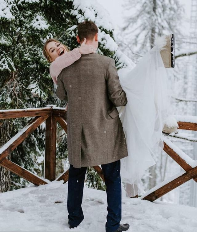 Baby, it's cold outside ❄️Download Paxxie and book your wedding photographer with Alex and Vova from Los Angeles, CA today! ⠀⠀⠀⠀⠀⠀⠀⠀⠀ . 📸 https://my.paxxie.com/alexg⠀⠀⠀⠀⠀⠀⠀⠀⠀ .⠀⠀⠀⠀⠀⠀⠀⠀⠀ .⠀⠀⠀⠀⠀⠀⠀⠀⠀ .⠀⠀⠀⠀⠀⠀⠀⠀⠀ .⠀⠀⠀⠀⠀⠀⠀⠀⠀ . #weddingphotography #weddingphotographer #weddingphoto #weddingday #weddingmoments #weddingceremony #weddingstyle #weddingfashion #bridalfashion #weddinginspirations #weddingdetails #weddingideas #weddingblog #weddingblogger #weddingplanning⠀⠀⠀⠀⠀⠀⠀⠀⠀ #destinationweddingphotographer #bridalphotographer #couplesphotography #engagementphotos #engagmentphotography #engagementsession #bridebook #paxxie #whoispaxxie #whoispaxy #selfieassistant #selfieasst #paxy #paxxie #getapaxxie