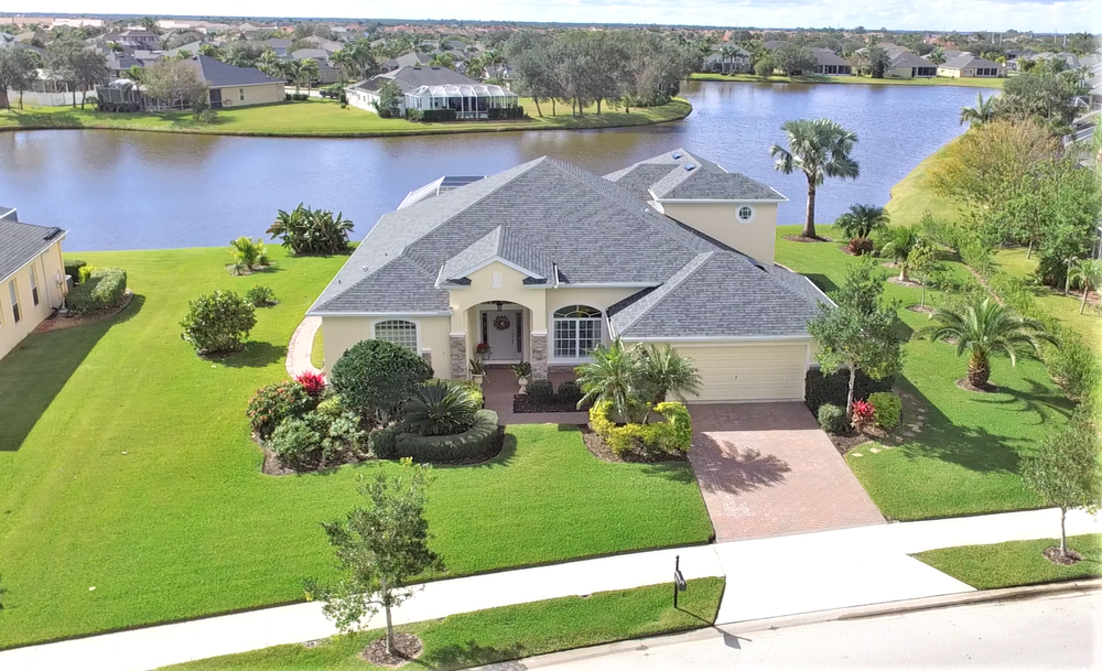 Beautiful lakefront home in Viera, in the prestigious gated community of