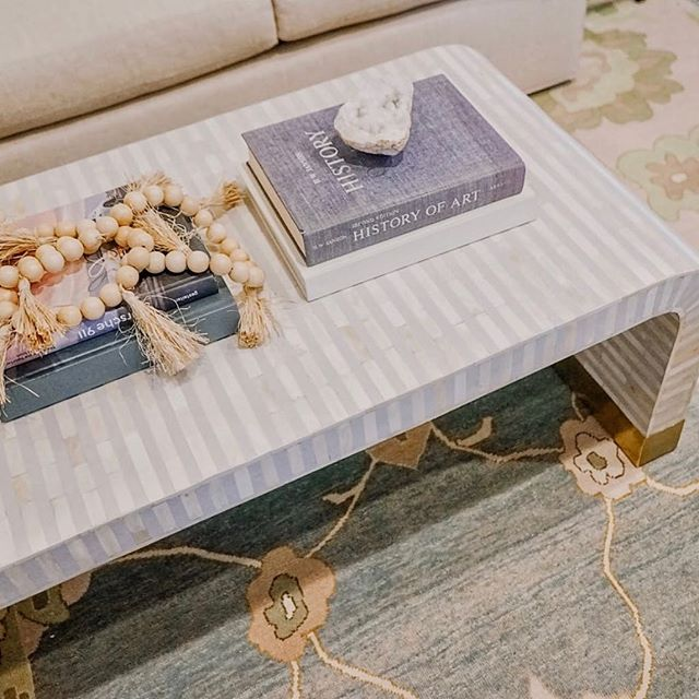 Nothing makes me happier than a well styled coffee table...well, maybe the weekend makes me happier (cheers 🥂 to Friday Eve!) . . . . Need help styling your home? Send us a DM or visit our website to get started! . . . #designconsult #designconsultations #cincinnatiinteriordesign #cincinnatidesign #cincinnatiinteriors #designer #cincinnatidesigners #studiopiper #hydeparkcincinnati #beforeandafter #mtlookoutcincinnati #livingroom #interiordesign #color #pink #love #girly #designconsults #vanity #interiordesign #coffeetablestyling #coffetable #serene #blue #rug