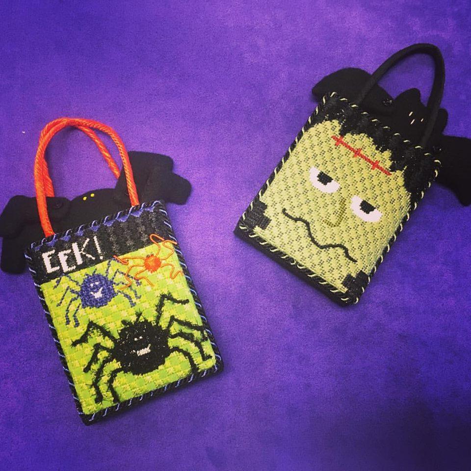Halloween Treat Bags Open to Hang