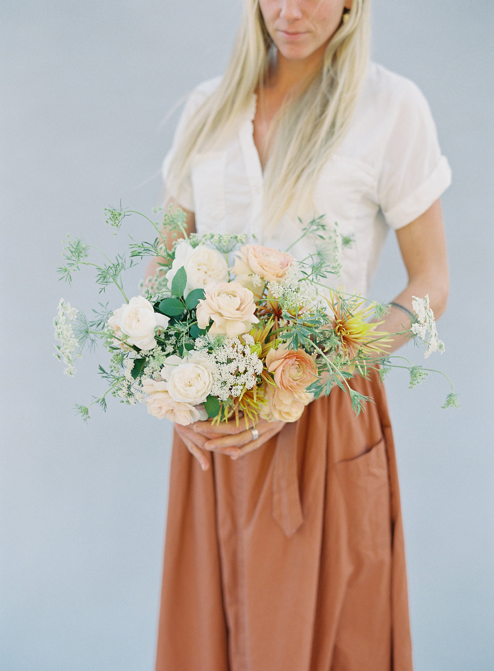 NECTAR + BLOOM || Garden Rose + Ranunculus + Wild Flower Bridal Bouquet in Warm Corals + Neutrals || Nectar + Bloom bridal bouquet || Sposto Photography || #fineartweddingflowers #fineartfloraldesign #fineartwedding #sandiegoweddingflorist #sandiegoflorist  #sandiegofloraldesigner #fineartweddingbouquet #bridalbouquet #bridalstyle #romanticwedding #weddingdetails #modernbride #modernbrialbouquet #bohemian #elegantbride #weddingfashion #fallbridalbouquet #autumbridalbouquet #fallflowers #gardenroses #romanticwedding #romanticbridalbouquet