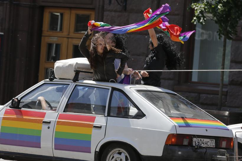 Russia 2015: No transgenders behind the wheel