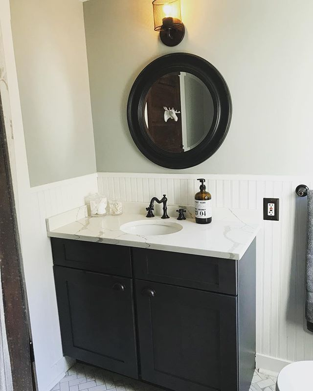 Love how everything came together!  Counters by @ecmarblegranite #vanity #bathroomremodel #quartzcountertops #remodeling #bathroomofinstagram