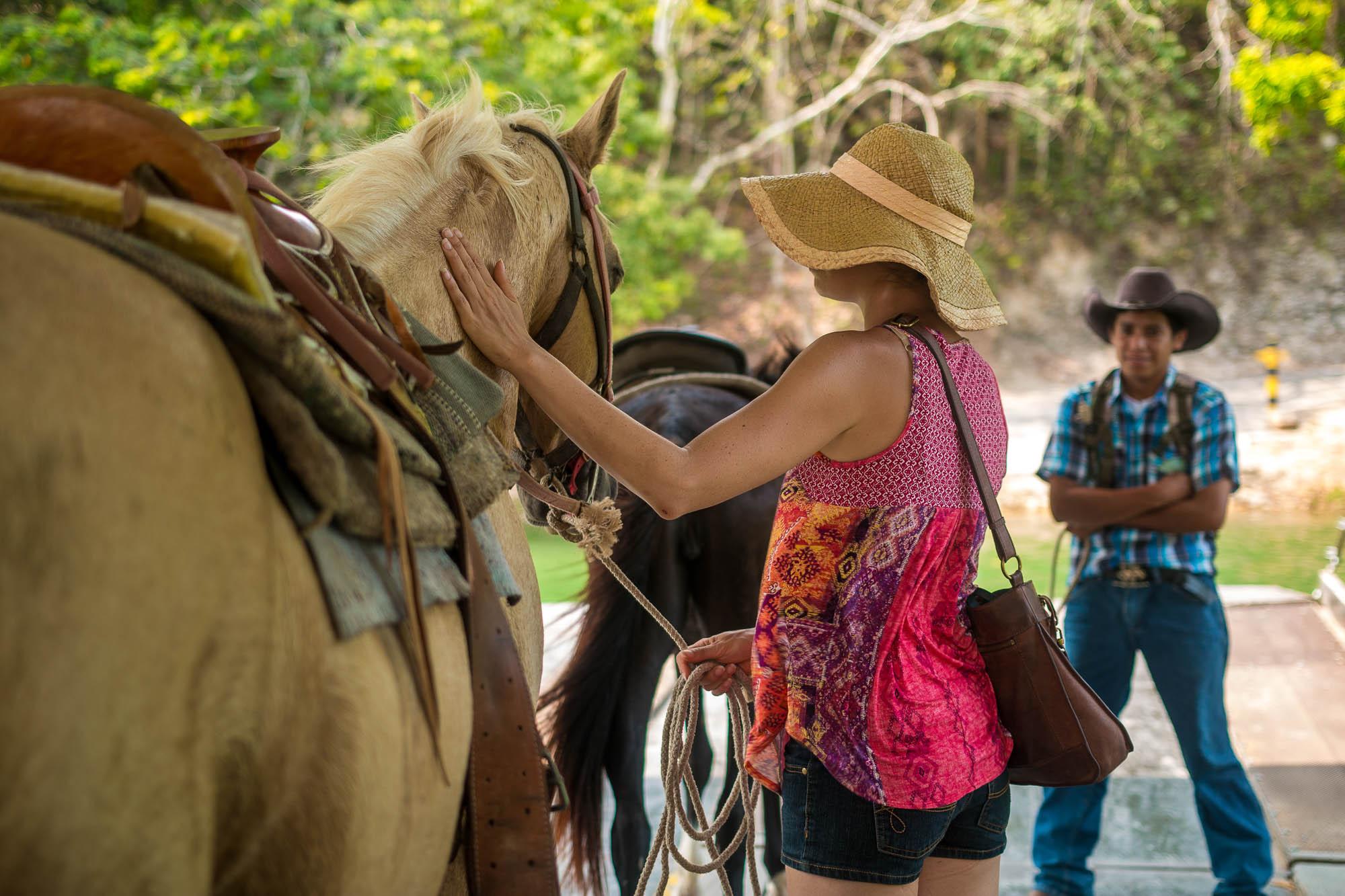 Xunantunich Belize horesback riding-7