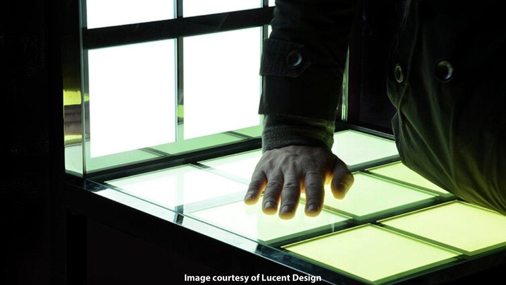 [技術提供] OLEDカラーチェア c/w Lucent Design
