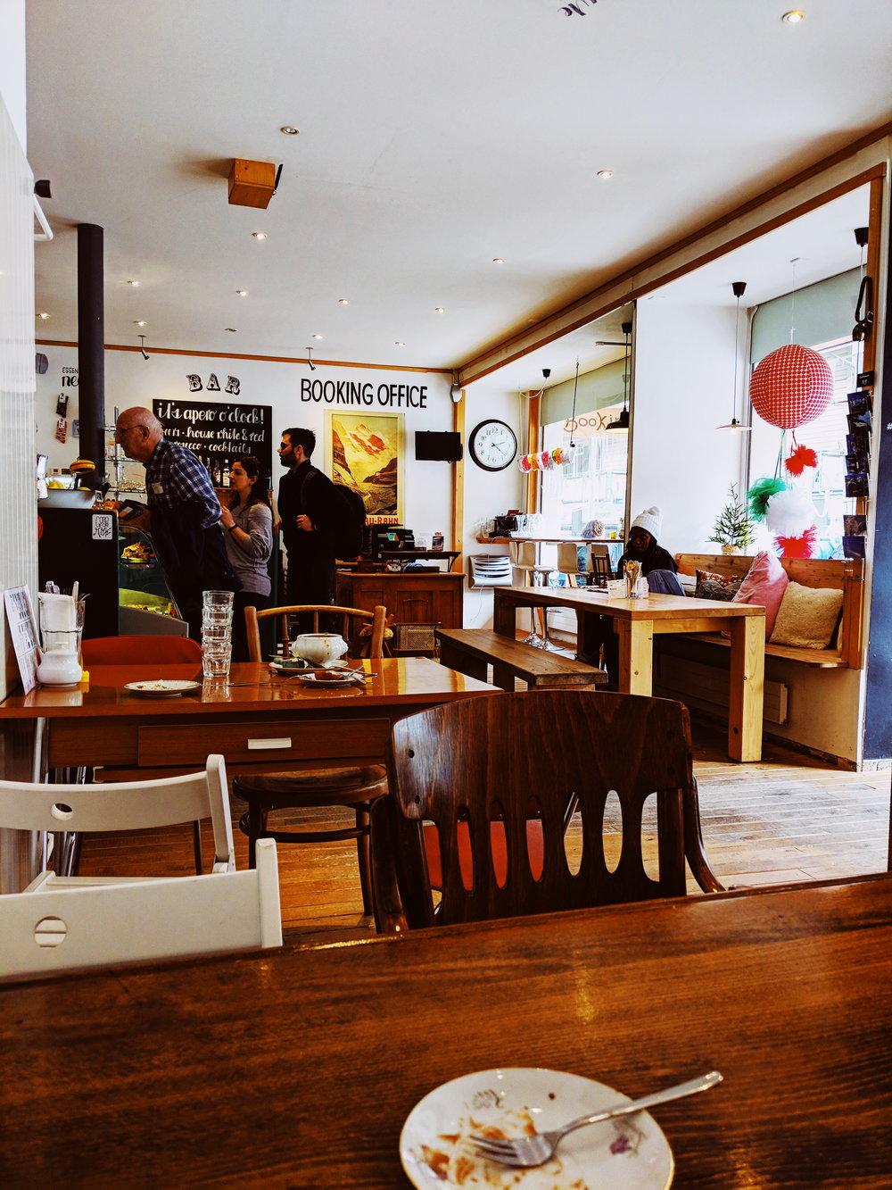airtime cafe lauterbrunnen.jpg