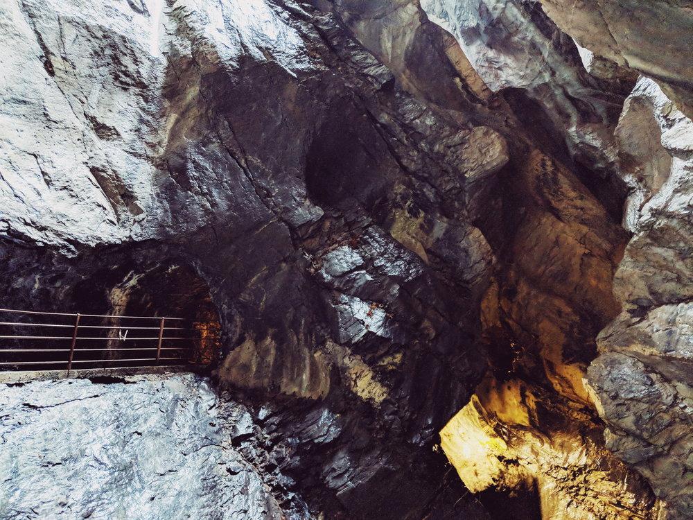trummelbach falls 4.jpg