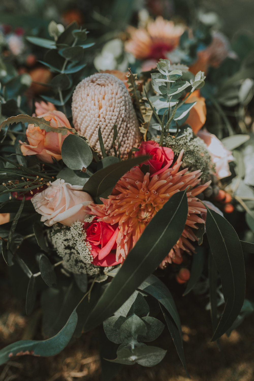 Forget Me Not Floret - Florist Based in the Yarra Valley, Elizabeth shon such vibrancy on Monique and Bens wedding. Oh would you look at that, they do headpieces too!