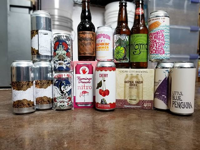 Weekend in review: An eclectic bunch of unique new brews. As of right now all still available!  #beermonday #finbackbrewery #finbackcaviar #coconutbrownale #chocolatestout #flamingodreams #pinkbeer #cherrysour #dunkinbeer  #dunkinsummer #coffeepaleale #salutethesun #lime #blackpepper #ipa #kolsch #oatmealraisincookie #oatmealraisincookieale #removethebeerfromthebottomoftheocean #littlebluepenguin #sauvignongrape #neipa