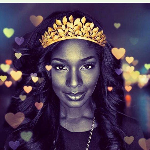 Every Queen deserves a crown 👸🏽 cool announcement coming soon!! 😃🙌🏾😘 #queen #queenbey #beautiful #fashionblogger #dallasmusicscene #austinmusicscene #nashvillemusicscene #artist #influencer #dallas #fortworth #houston #africanqueen #blackgirlmagic #ghanagirl #ghanafashion #myshelmusic #nine14media