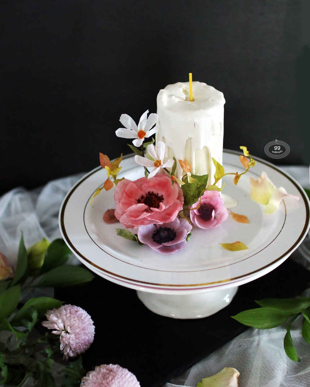Candle cake X Wafer pafer flower  Anemone, Cosmos, 3D leaf, 3D stem