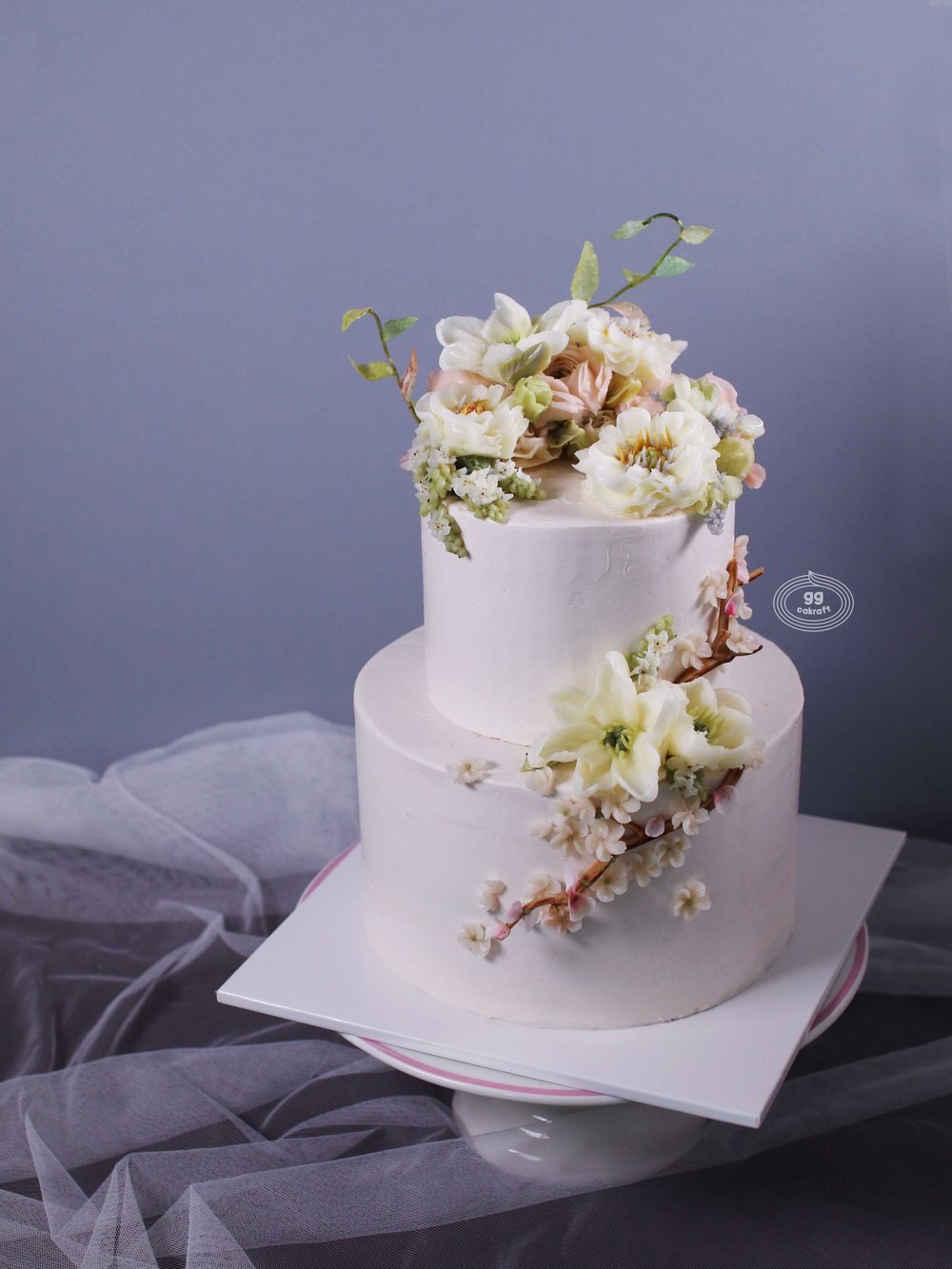 Day 2. Haute Couture Wedding Cake (dummy + real cake)   - Flower piping : Opened Peony, Ranunculus, Lily, Cherry Blossom, 3D Branch.  - The images are for reference ONLY