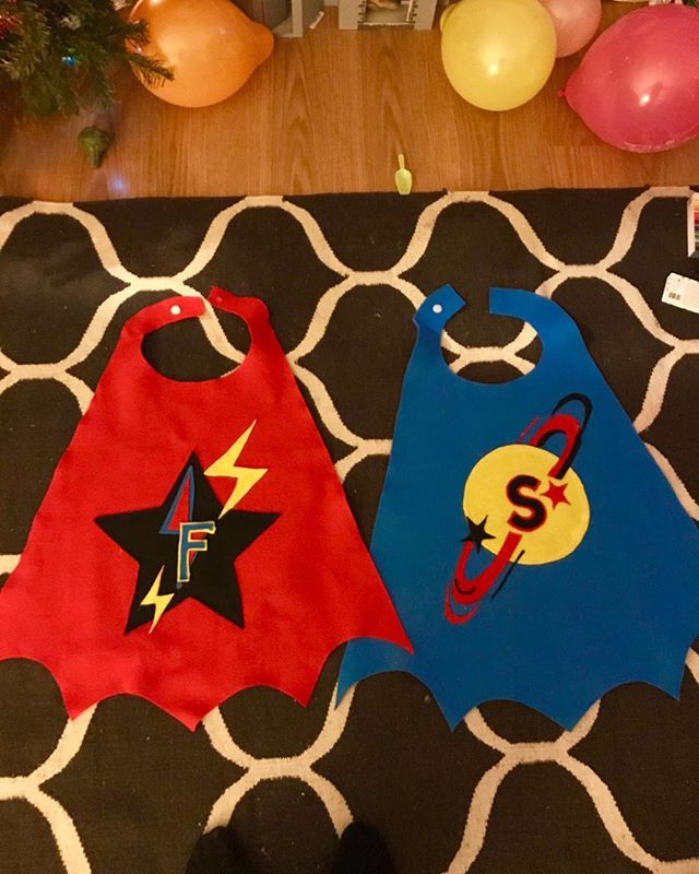 Capes ready for my birthday girls in the morning 🌈😍😍 !!!!#whoooooop#felt#feltcapes#superherogirls#twins#twinsisters#threeyearsold#willtheywearthem#threeinthemorning#growingupbutstillbonkers#thecolourclub2018