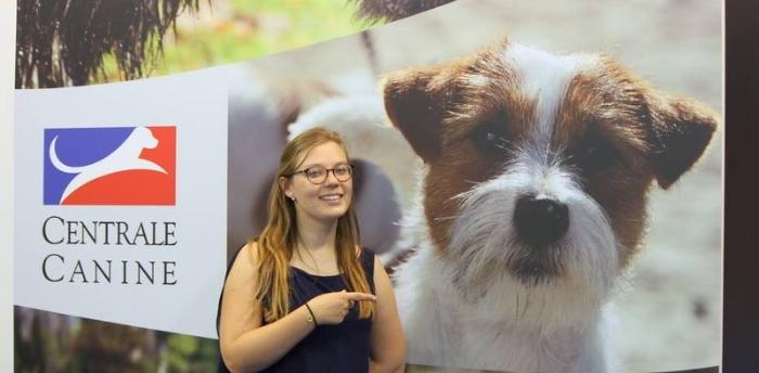 """Notre """"Yumi"""" figure sur les murs du stand de la Société Centrale Canine"""