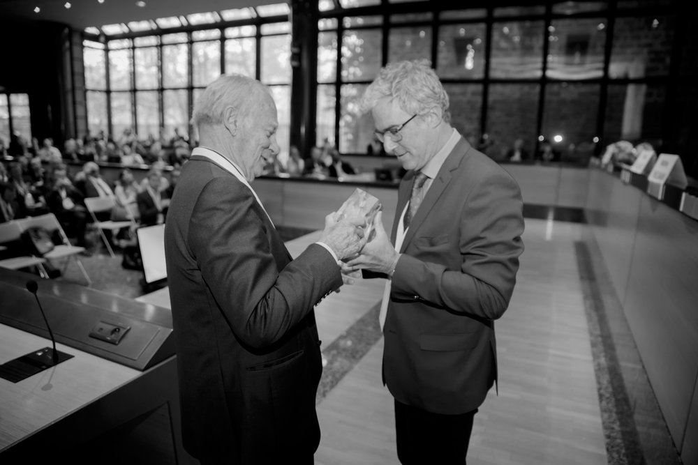 Pr. Thierry Folliguet and Pr. Alain Carpentier at the 67th International Congress of the European Society of Cardiovascular and EndoVascular Surgery