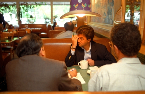 Rakesh Mathur, CEO of Junglee.com meeting with his angel investors over lunch in Buck's in Woodhouse.