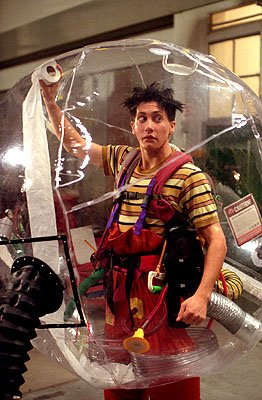 jake_gyllenhaal_bubble_boy.jpg