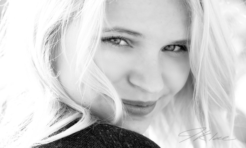 Girls Beauty Senior Picture Close up Headshot in Black and White
