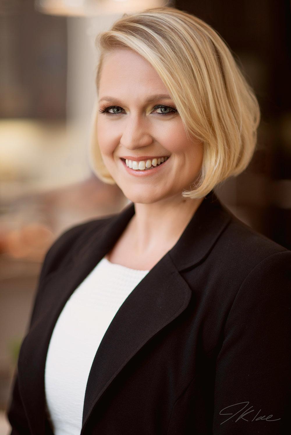 Professional Headshot of Female Dallas Lawyer Smiling