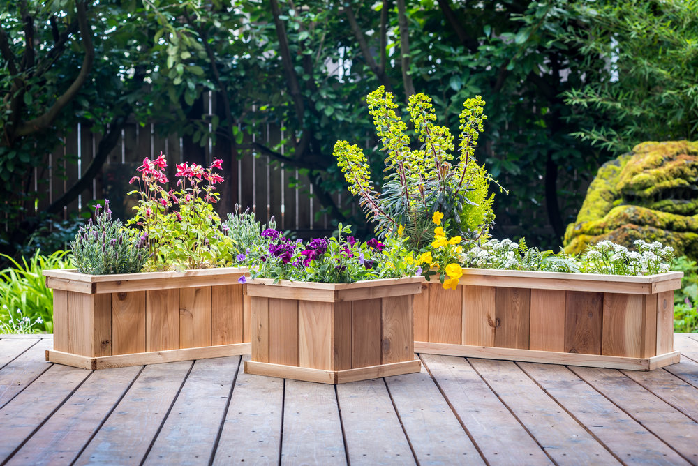 "deck mate series of cedar planters 40"", 30"" and 16"""