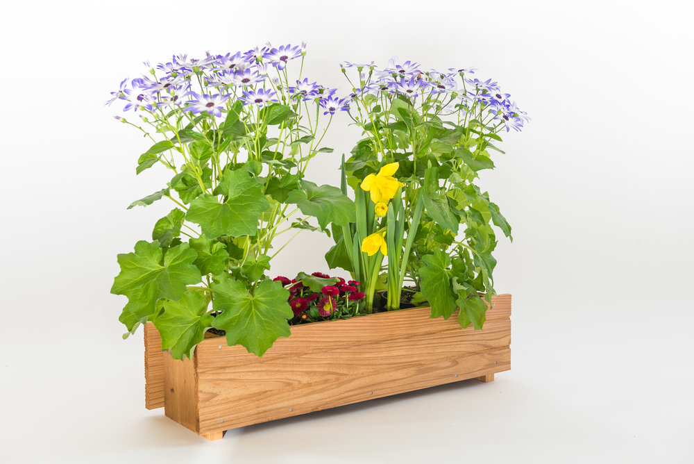 "window box dimensions: 7""x23""x6"""