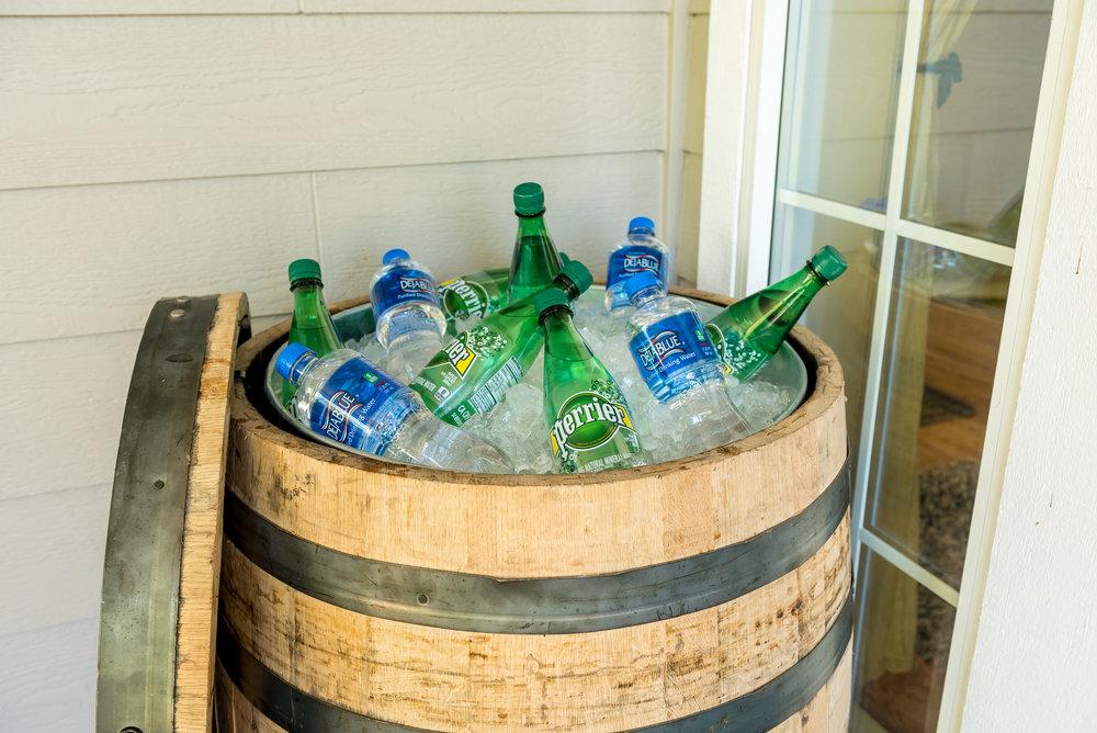 "oak whiskey barrel whole dimensions 27""x36"""