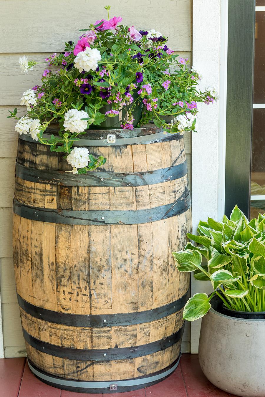 "oak barrel garden dimensions: 26""x35""x15"""