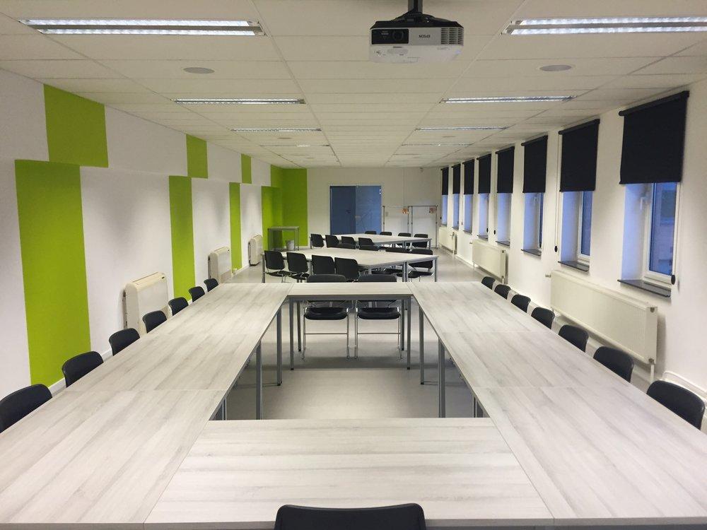 meeting-modern-room-conference-159806.jpeg