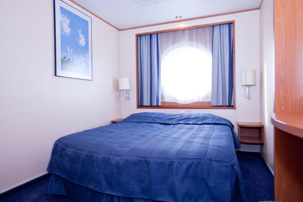 A premium –luokka (yläkansi, parivuode, ikkuna)   78e/hlö, kun hytissä 2 matkustajaa