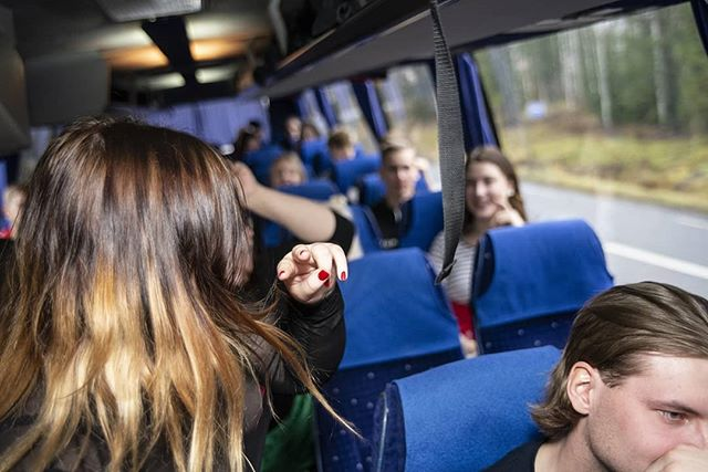 Bussit matkalla kohti Turkua! 🎉 Ihan huikee meno, vai mitä?? 🎉🐱 Heitä kommenttia kuvaan! . Kuvat: @rapiditypixels 🥂 . #triangeli2018 #jungletriangeli #triangeliristeily