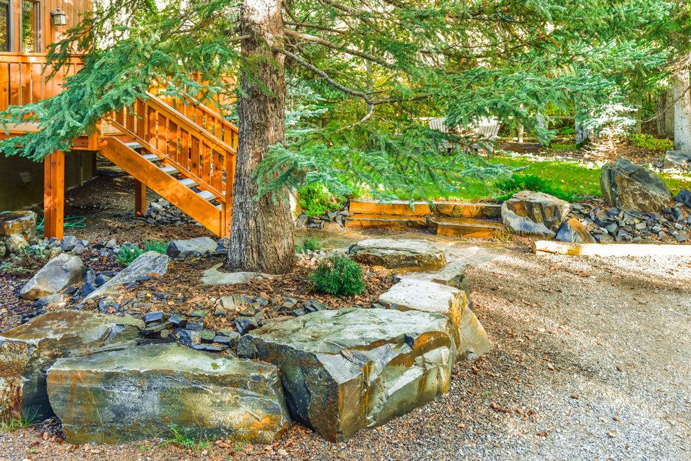 solkor-canmore-banff-landscaping-9.jpg