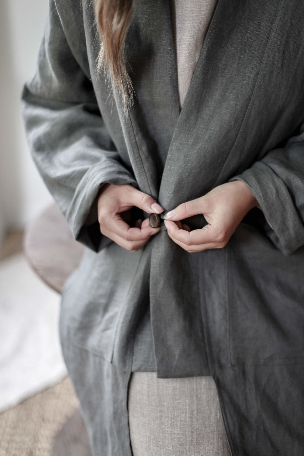 nomi-designs_kim-long-jacket_forest-colored_natural-linen-long-sleeve-jacket_front-button-close.jpg