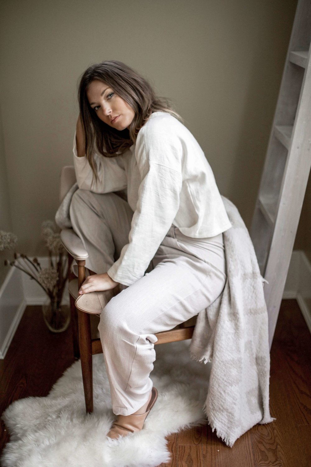 nomi-designs_madison-long-sleeve-top_ivory_natural-linen-top_side.jpg