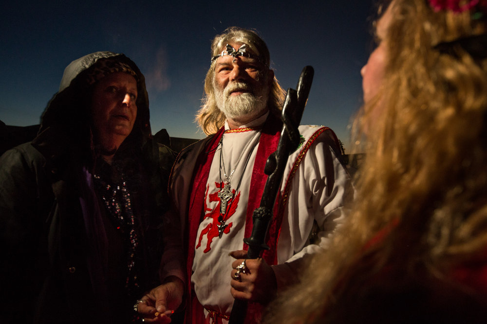 John Timothy Rothwell, an English eco-campaigner and neo-druid leader, is the head of a group of lay knights and considers himself the legitimate descendant of King Arthur. At the autumn equinox he gathers with Arthurian friends at Stonehenge to perform a ritual.  Glastonbury, England.