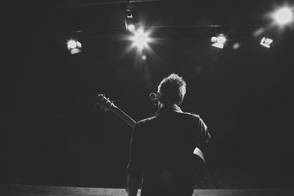 acoustic-guitarist-for-hire-jon.jpg