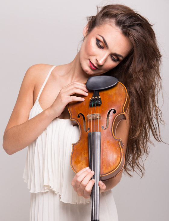 session-violinist-for-hire-claire.jpg